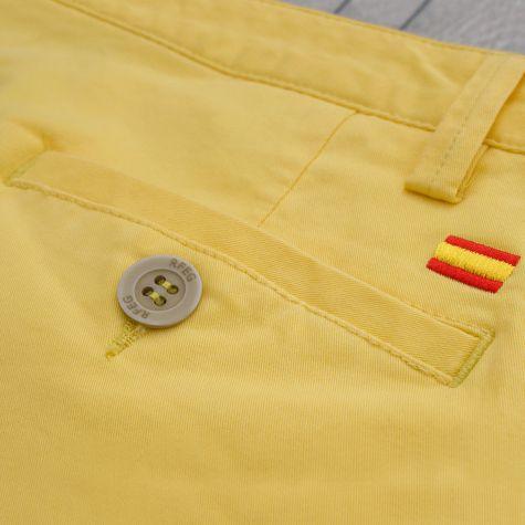 Bermuda caballero amarillo · Equipo Nacional